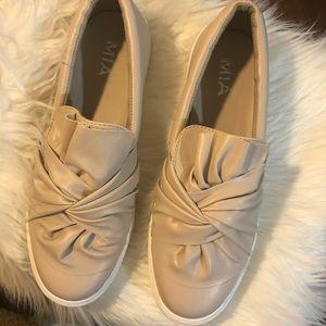 MIA Zoe Blush Slip On Shoes EUC